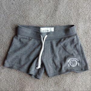 Abercrombie kids 🏴 size M gray jersey shorts 🏴
